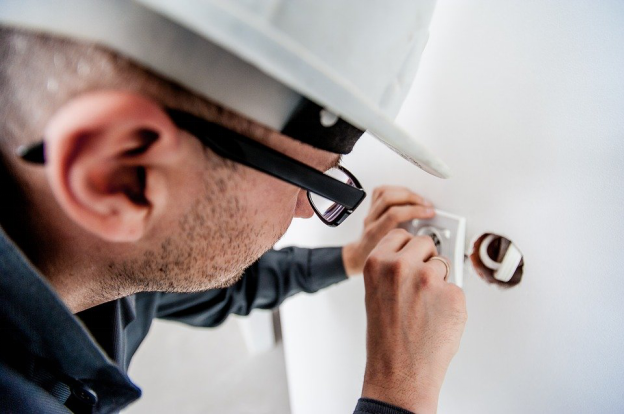 Becoming a Qualified Electrician in Massachusetts